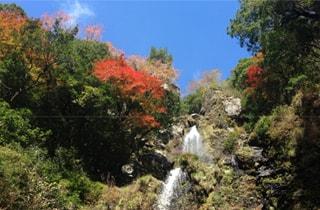 山姥の滝・ゴトゴト石